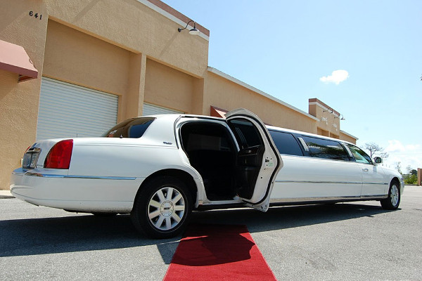 Fort Myers Lincoln Limos Rental