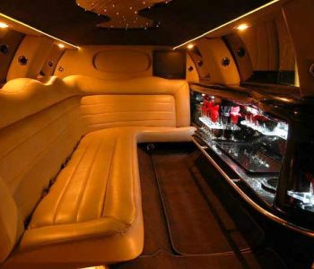 Lincoln stretch limo rental Villas